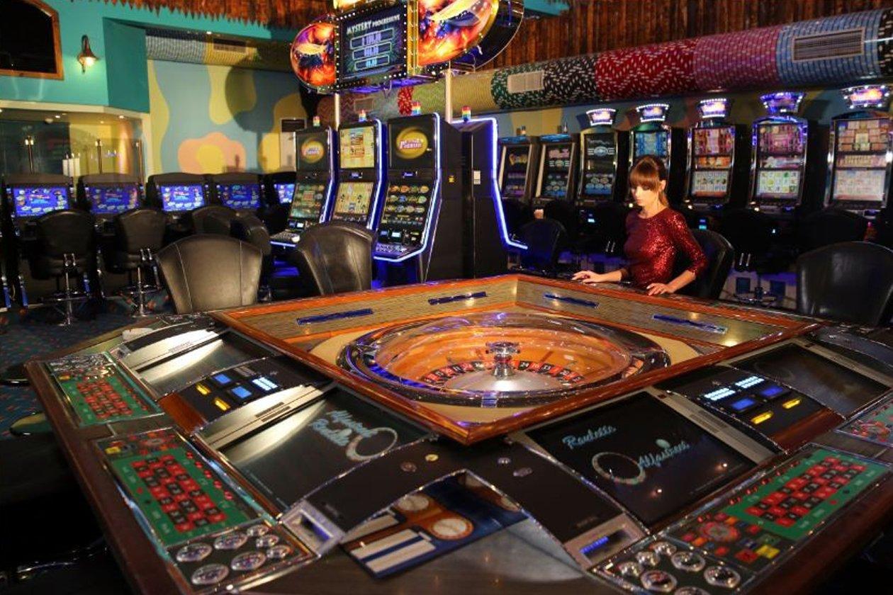 Merit Cyprus Gardens Holiday Village Casino Kibris Tatili